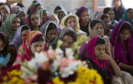 Pakistani Christian women mourn during the funeral service of Sahil Pervez who was killed in a suicide bombing attack, in Lahore, Pakistan, Monday, March 28, 2016.  (AP Photo/B.K. Bangash)