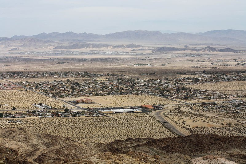 Photo by Bernard Gagnon. City of Twentynine Palms seen from Joshua Tree National Park, California