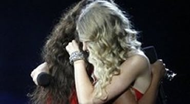 Taylor Swift, right, hugs Beyonce after Beyonce won the 'Video of the Year' award at the MTV Music Video Awards, Sunday, Sept. 13, 2009 in New York.