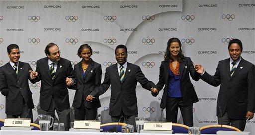 The Brazilian presentation team from left Paralympian Daniel Dias, Carlos Osorio , Secretary General Rio 2016, athlete Barbara Leoncio, Pele, Isabel Swan and Brazilian sports minister Orlando Silva at a press conference.