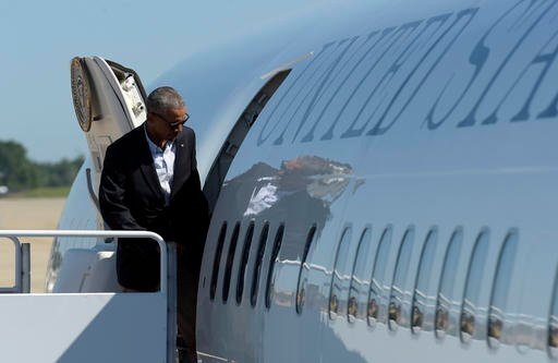 Obama to meet slain officers' families during Louisiana tour