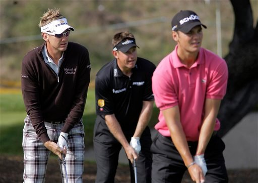 England's Ian Poulter, left, and Lee Westwood, center, and Martin Kaymer, of Germany, practice for the Chevron World Challenge golf tournament at Sherwood Country Club in Thousand Oaks, Calif., on Tuesday, Dec. 1, 2009.
