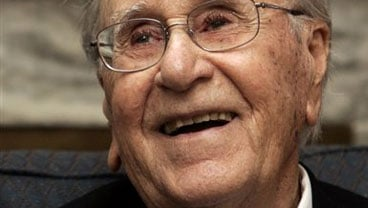 A spokesman for Oral Roberts on Tuesday, Dec. 15, 2009 said the evangelist and university founder has died at age 91. (AP Photo/File)