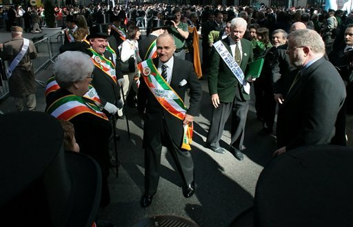 New York police commissioner Ray Kelly, center, arrives to lead the St. Patrick's Day Parade as its Grand Marshall in New York, Wednesday March 17, 2010 . (AP Photos/Bebeto Matthews)