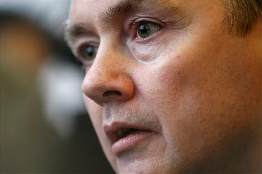 Chief Executive Officer of British Airways, Willie Walsh, speaks to the media outside the Trade Union Congress headquarters in London, Friday March 19, 2010, after last ditch talks to avert a strike by cabin crew collapsed.  (AP Photo/Sang Tan)