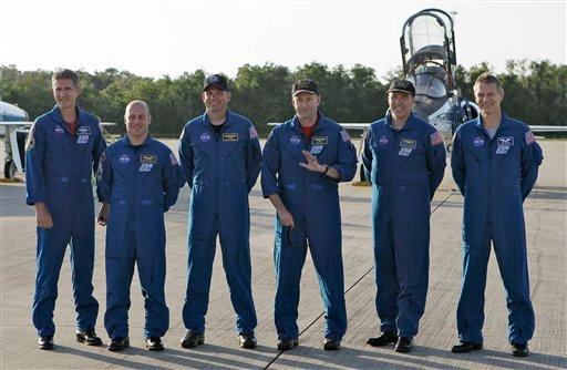 STS-132 crew members, from left, Mission Specialists Michael Good, Garrett Reisman, Pilot Dominic Antonelli, Commander Kenneth Ham, and Mission Specialists Stephen Bowen and Piers Sellers.