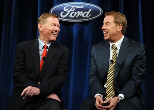 Ford Motor Co. CEO Alan Mulally, left, and Chairman Bill Ford, right, laugh during a news conference after Ford's annual shareholders meeting, Thursday, May 13, 2010, in Wilmington, Del. (AP Photo/Steve Ruark)