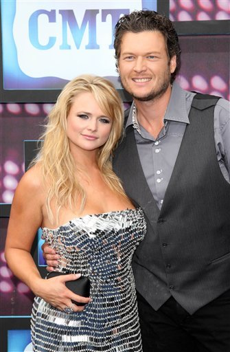 Blake Shelton and Miranda Lambert attend the 2010 CMT Awards in Nashville, Tenn. Wednesday, June 9, 2010. (AP Photo/Peter Kramer)