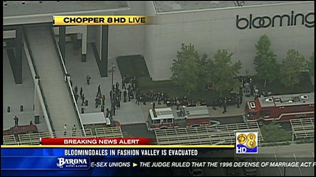 Fashion Valley Store Evacuated Cbs News 8 San Diego