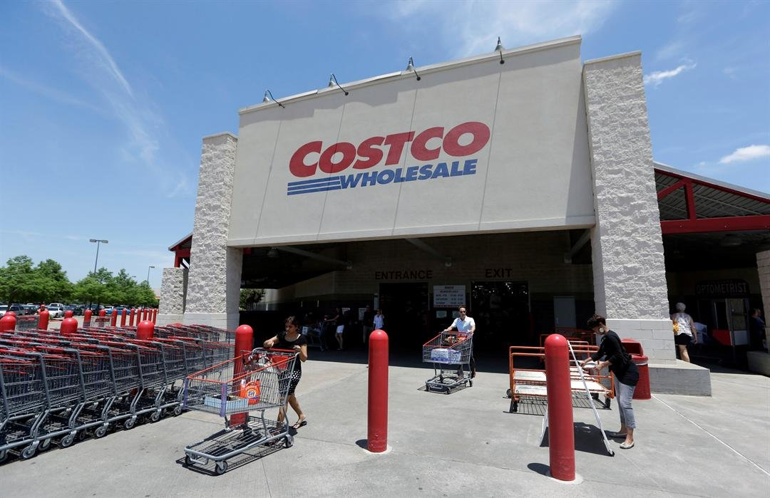 Costco to hold special military shopping event