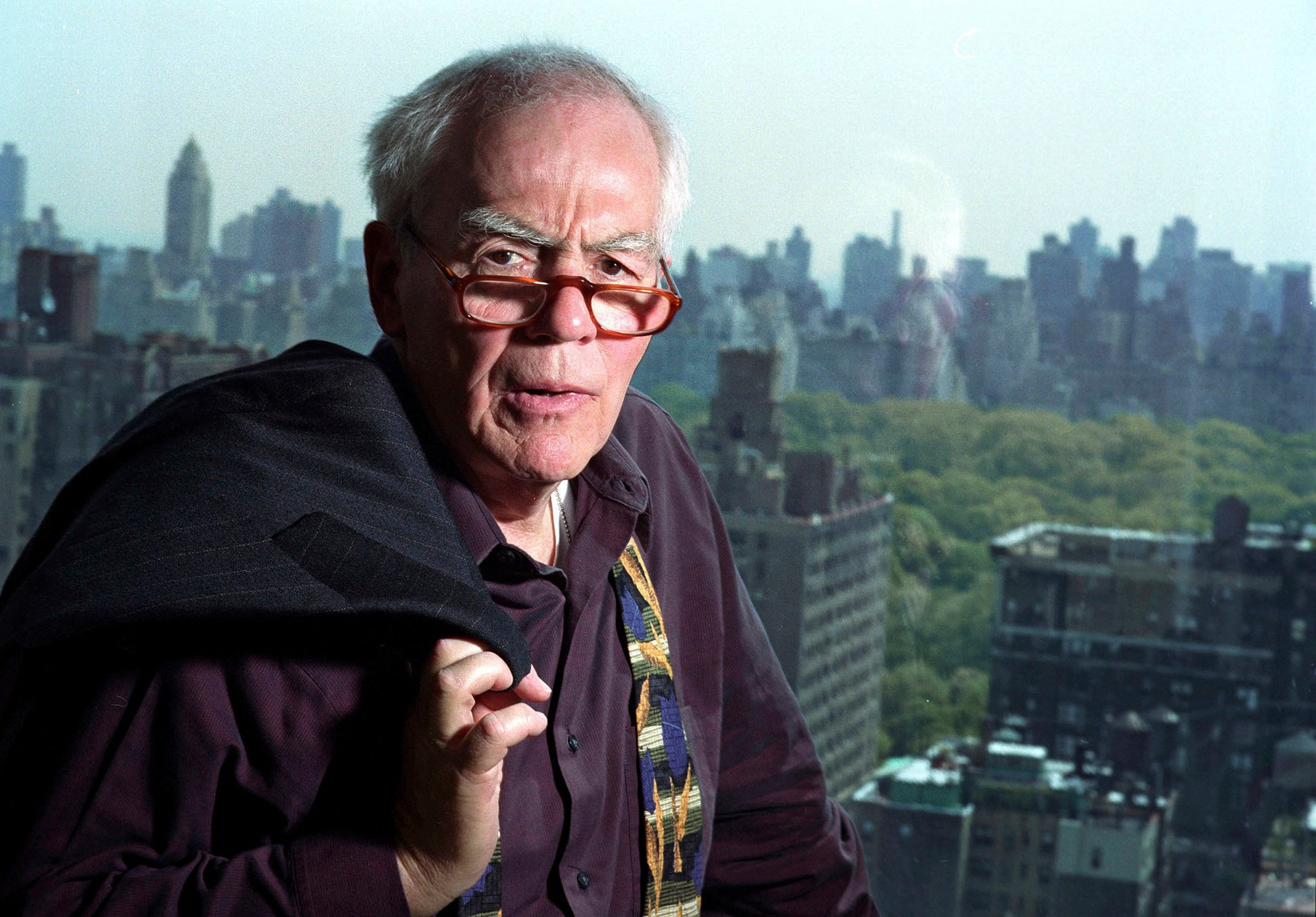 A 2004 file photo of author-columnist Jimmy Breslin in his New York apartment. (AP Photo/Jim Cooper, File)