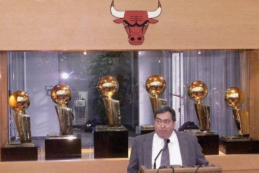 Jerry Krause, General Manager of the Chicago Bulls, addresses the media during a press conference at the Berto Center.