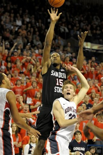 San Diego State's Kawhi Leonard takes a jump shot over Gonzaga's Mathi Moenninghoff (22) in the second half of an NCAA college basketball game.