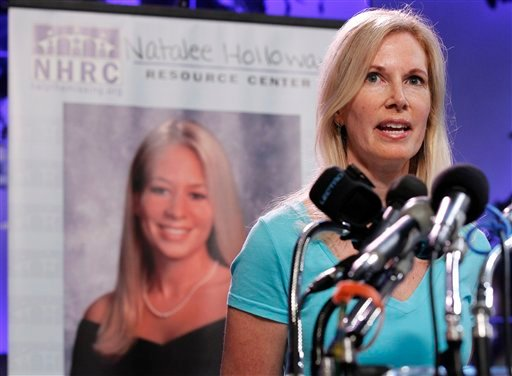 Beth Holloway, mother of Natalee Holloway, speaks during the opening of the Natalee Holloway Resource Center (NHRC) at the National Museum of Crime & Punishment in Washington, USA, Tuesday, June 8, 2010.  (AP Photo/Pablo Martinez Monsivais, file)