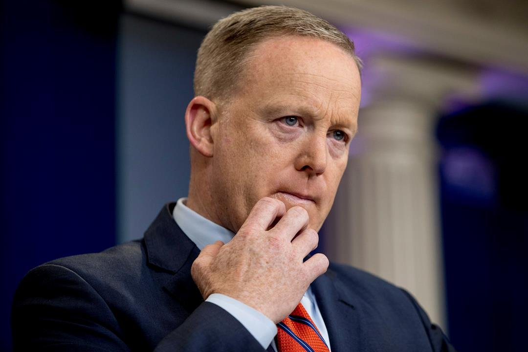 White House press secretary Sean Spicer pauses while talking to the media during the daily press briefing at the White House in Washington, Tuesday, April 11, 2017. Spicer discussed Syria, Trump's 2016 tax returns, the Easter Egg Roll and other topics. (A