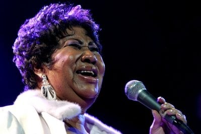 FILE - In this Nov. 21, 2008 file photo, Aretha Franklin performs at the House of Blues in Los Angeles. Franklin is scheduled to undergo a medical procedure Thursday, Dec. 2, 2010.