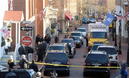 Frances Street in Annapolis, Md., is blocked off as officials investigate a suspicious package in the Jeffery Building, Thursday, Jan. 6, 2011.
