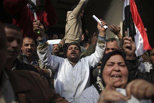 Egyptian medical workers demonstrate in Cairo, Egypt, Thursday, Feb. 10, 2011. (AP Photo/Tara Todras-Whitehill)