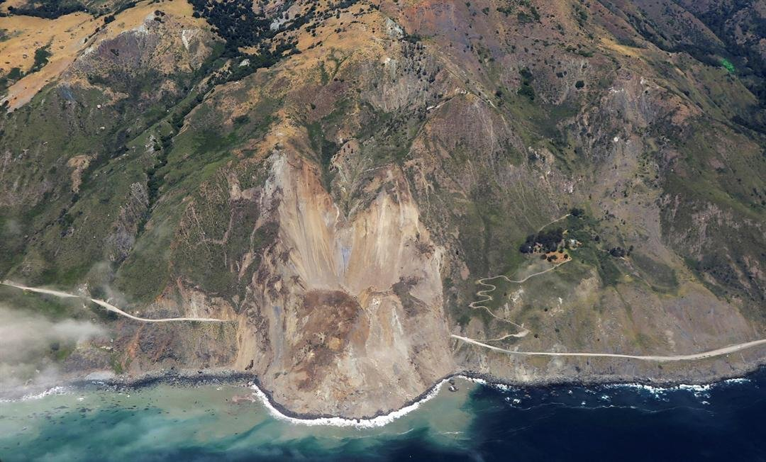 Massive landslide covers part of Hwy 1 in Big Sur