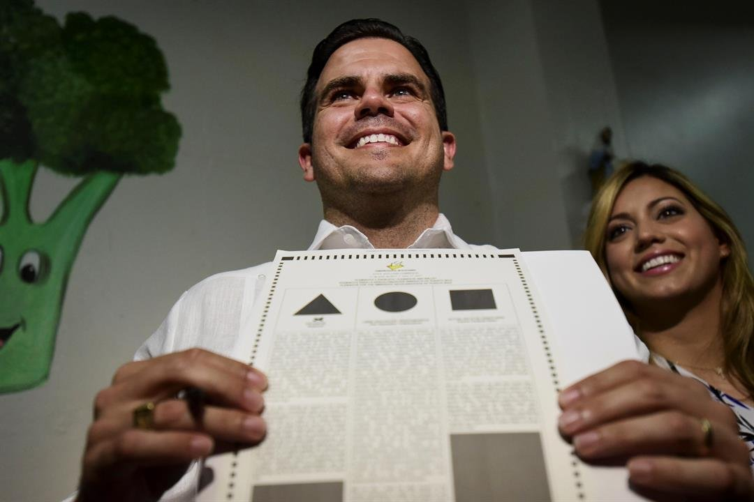 Puerto Ricans voters back statehood in questioned referendum