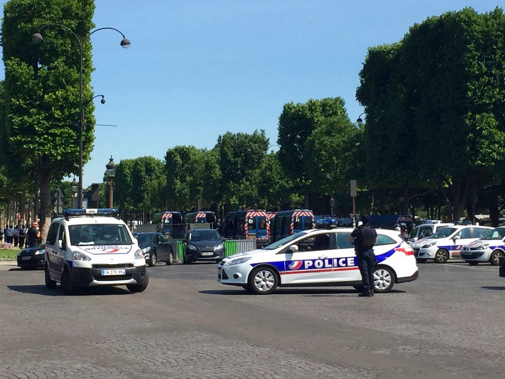 Car Rams Police Vehicle, Explodes on Paris' Champs-Elysees