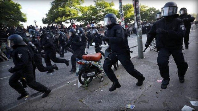 German police clashed with violent protesters Thursday in Hamburg a day ahead of the Group of 20 summit.