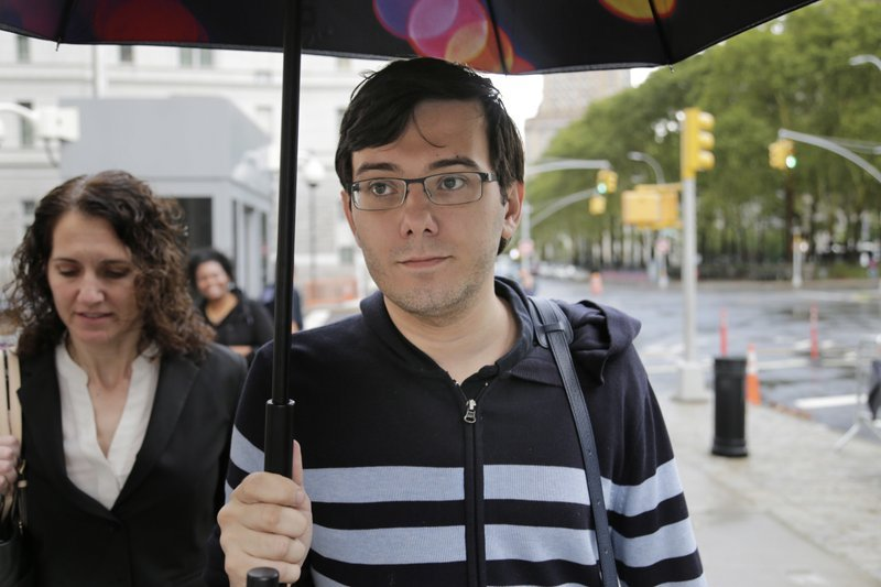 Martin Shkreli arrives at federal court in New York, Friday, Aug. 4, 2017. Jurors are starting their fifth day of deliberations at the federal securities fraud trial of the former pharmaceutical company CEO.