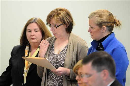 Anne O'Brien, mother of Phoebe Prince, center, delivers a victim impact statement at a hearing in Franklin - Hampshire Juvenile Court, in Northampton, Mass., Thursday, May 5, 2011.