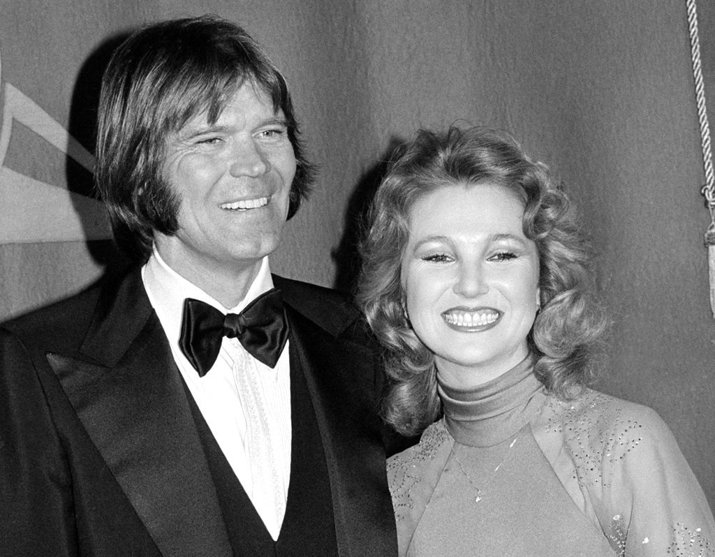 n this Feb. 15, 1979 file photo, country singers Glen Campbell, left, and Tanya Tucker, engaged to one another, are shown at the Grammy Awards in Los Angeles. (AP Photo, File)
