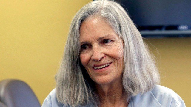 In this April 14, 2016, file photo, former Charles Manson follower Leslie Van Houten confers with her attorney, during a break from her hearing before the California Board of Parole Hearings at the California Institution for Women in Chino (AP /Nick Ut)