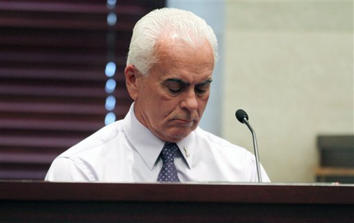 George Anthony testifies during the murder trial of his daughter Casey Anthony at the Orange County Courthouse Thursday, June 30, 2011 in Orlando, Fla. (AP Photo/Red Huber, Pool)