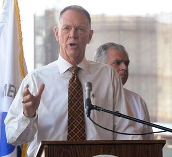 FAA Administrator Randy Babbitt speaks at a news conference to discuss the interruption of federal funding for airport construction projects and contractors at LaGuardia Airport in New York, Monday, August 1, 2011. (AP)