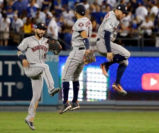 The Astros won 7-6 to tie the series at 1-1. (AP Photo/Matt Slocum)