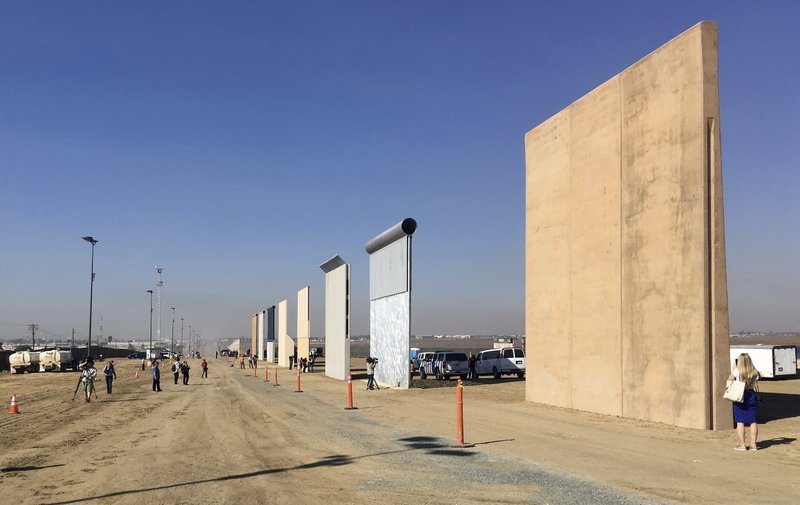 Border wall tests find heights should keep out crossers