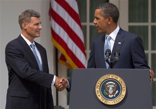 President Barack Obama shakes hands with Alan Krueger after announcing his choice of Krueger to become chairman of the Council of Economic Advisers, Monday, Aug. 29, 2011, in the Rose Garden of the White House in Washington. (AP Photo/Carolyn Kaster)