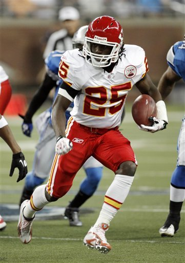 ansas City Chiefs running back Jamaal Charles (25) carries against the Detroit Lions in the first quarter of an NFL football game.