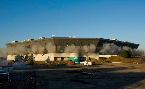 Second partial implosion attempt at Pontiac Silverdome