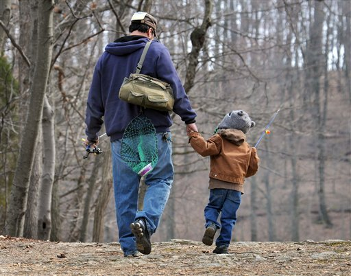 New research suggests that dads are less likely to die of heart-related problems than childless men are. The study by AARP, the government and several universities is the largest ever look at men, fertility and mortality.
