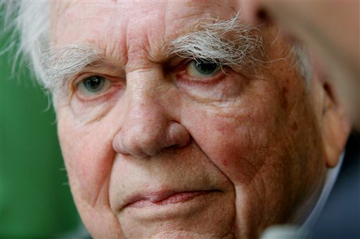 """FILE - In this Sept. 20, 2005 file photo, CBS """"60 Minutes"""" commentator Andy Rooney is shown in New York. CBS announced Tuesday, Sept. 27, 2011 that Rooney will make his final appearance on """"60 Minutes,"""" on Sunday's broadcast."""