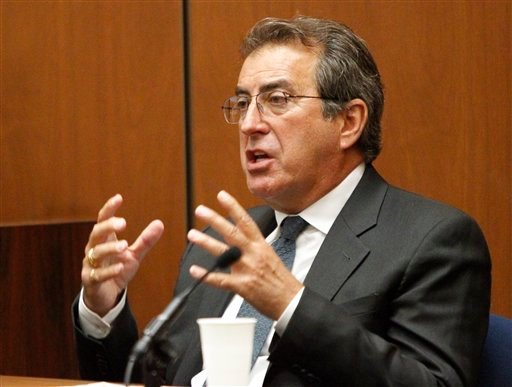 Choreographer Kenny Ortega testifies for the prosecution in the involuntary manslaughter trial of Conrad Murray at Superior Court in Los Angeles, Tuesday, Sept. 27, 2011.