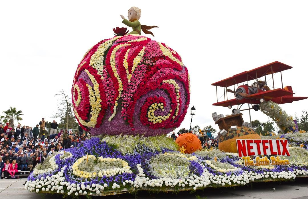 "The Netflix float entry titled ""Soar Beyond Imagination,"" travels along the 128th Rose Parade in Pasadena, Calif., Monday, Jan. 2, 2017. (AP Photo/Michael Owen Baker)"