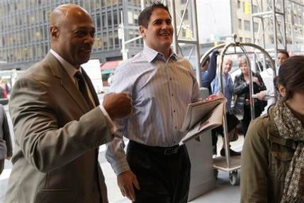 Dallas Mavericks owner Mark Cuban, right, arrives for labor talks between the NBA and players' association, Oct. 18, 2011 in New York. (AP Photo/Mary Altaffer)