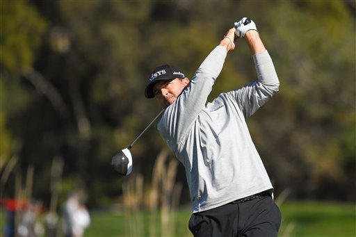 Ryan Palmer hits from the 14th hole tee on the North Course during the 2nd round of theFarmers Insurance Open at Torrey Pines Municipal Golf Course on January 26, 2018. (Photo by Brian Rothmuller/Icon Sportswire)(Icon Sportswire via AP Images)
