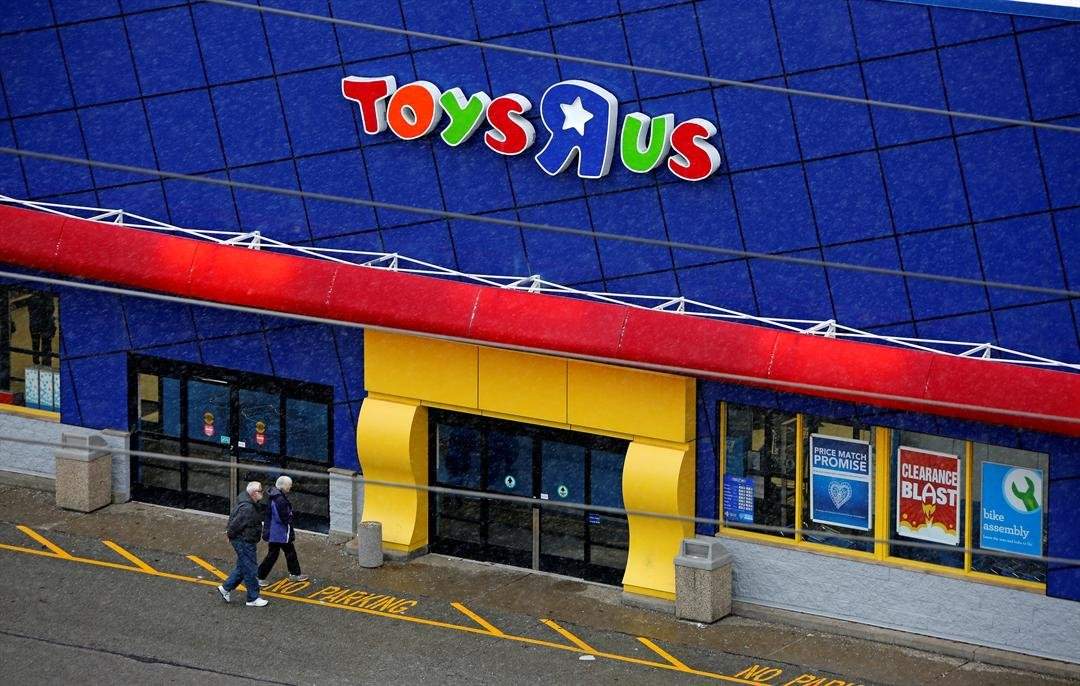 Toys 'R' Us considering closing all of its stores, report says