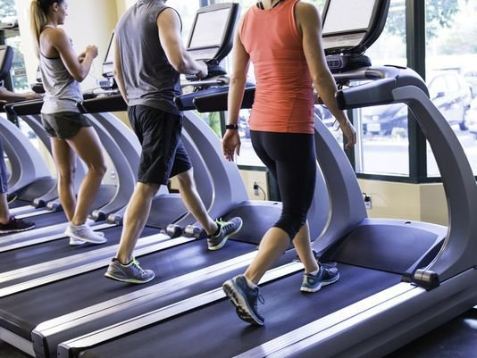 A new study found physically fit middle-age women are nearly 90% less likely to develop dementia decades later. (Photo: Getty Images)