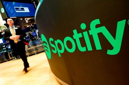 Una pizarra muestra el logo de Spotify en la Bolsa de Valores de Nueva York el martes, 3 de abril del 2018.