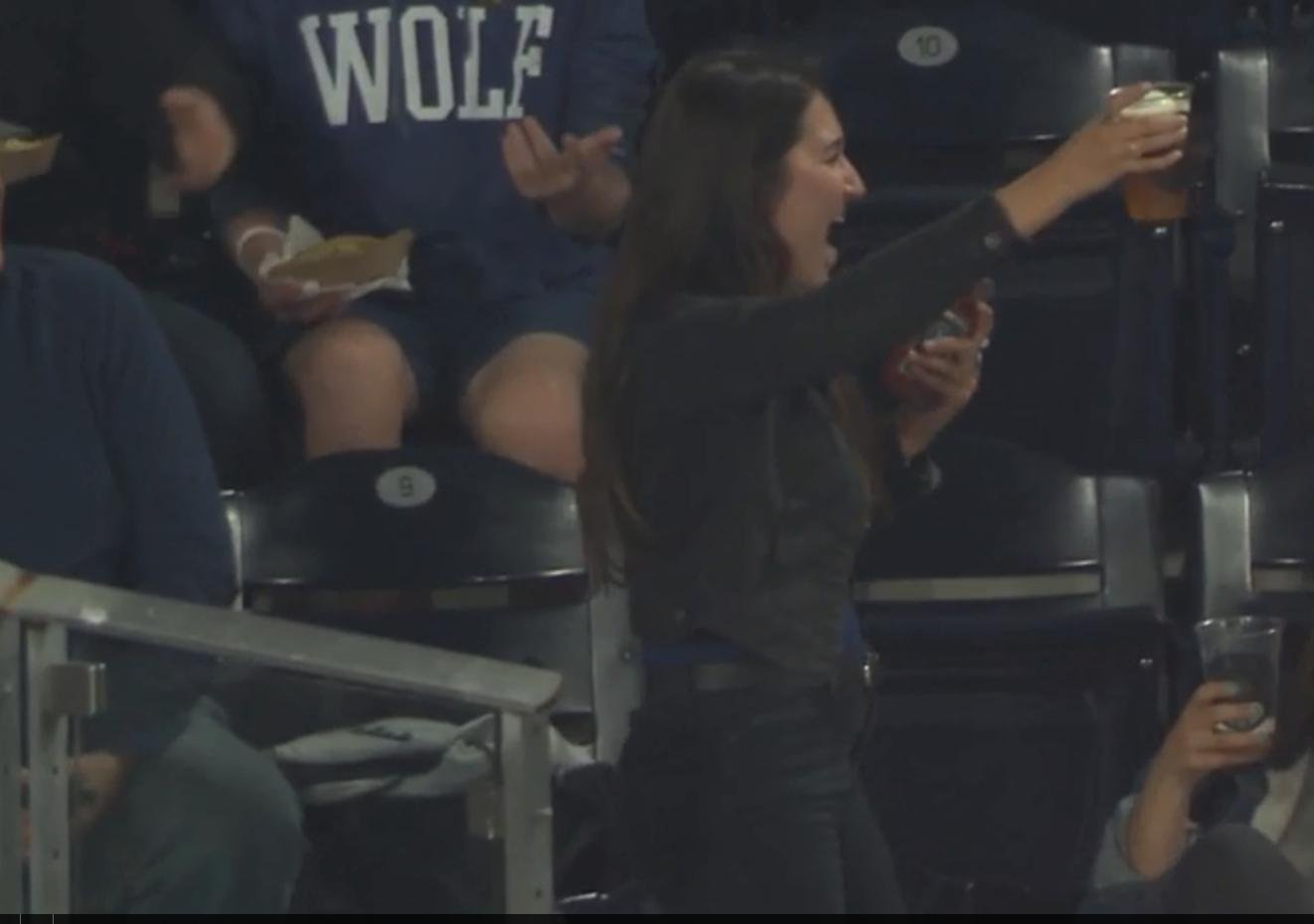 Padres Fan's Amazing Play: Foul ball caught in beer cup!