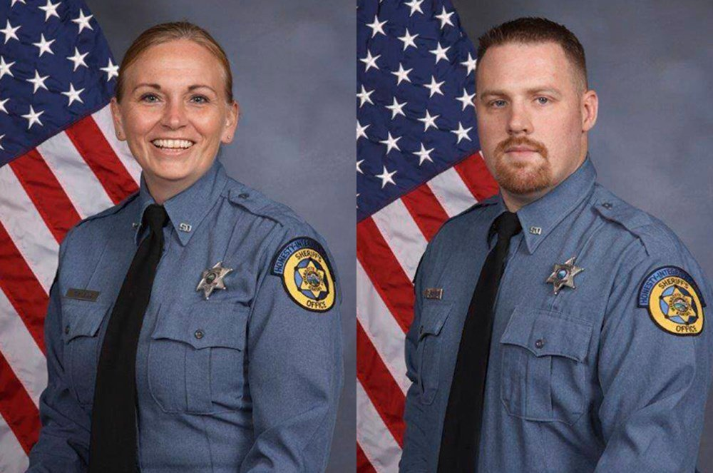 2 deputies shot dead when inmate overpowered them near courthouse