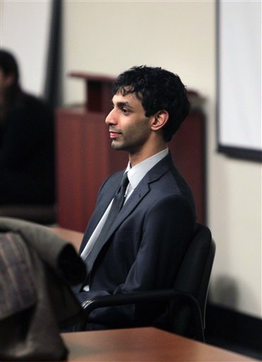 Dharun Ravi enters the courtroom during jury deliberations at the Middlesex County Courthouse, Thursday, March 15, 2012 in New Brunswick, N.J. (AP Photo/John O'Boyle, Pool)