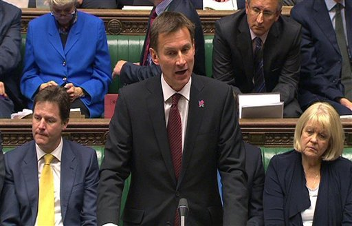 British Culture Secretary Jeremy Hunt speaks in the House of Commons, London, where he make a statement about his part in the News Corporation bid to take over BSkyB Wednesday April 25, 2012. (AP Photo/ PA Wire)